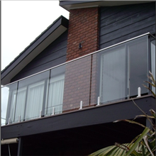 High Quality Spigots Glass Railing Balcony Balustrade Systems