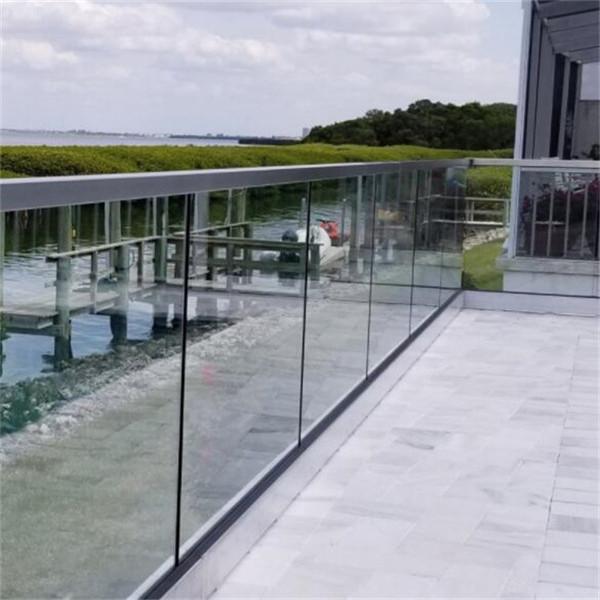 Stiklinių grindų stendo laiptų laikiklis Balkono baseino antgaliai Balustrados turėklai